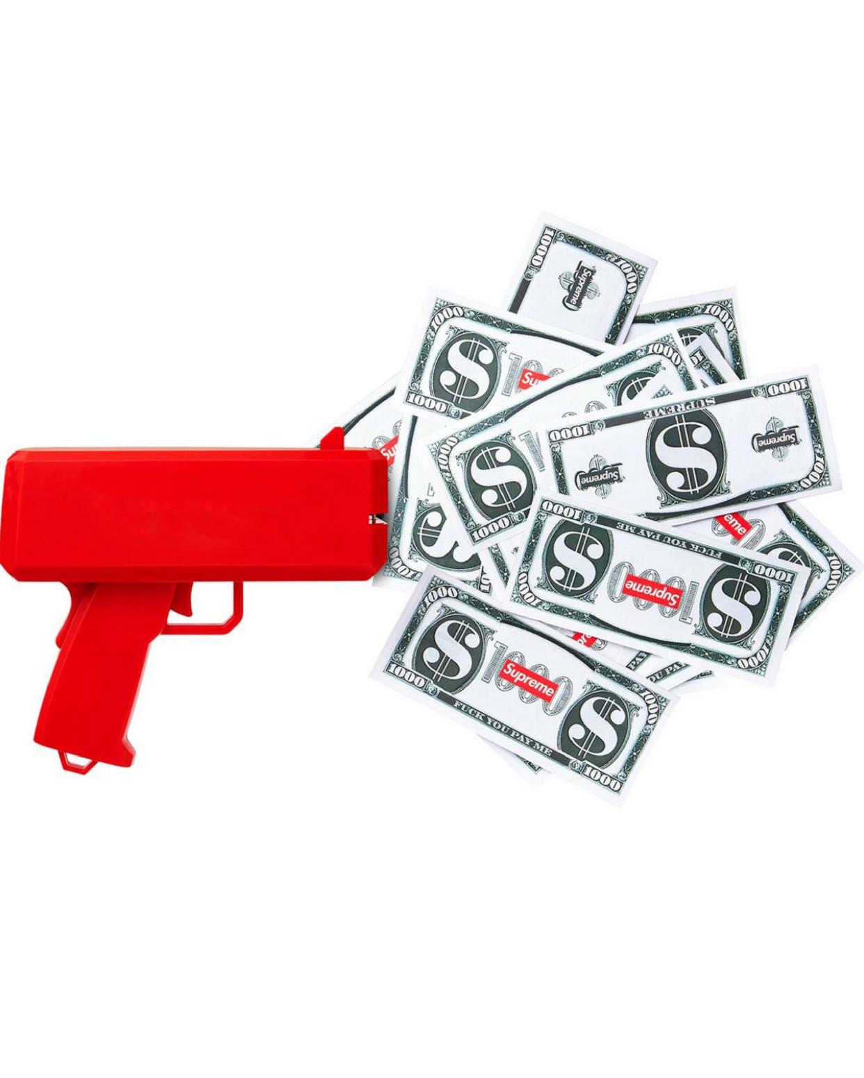 pistol cu bani